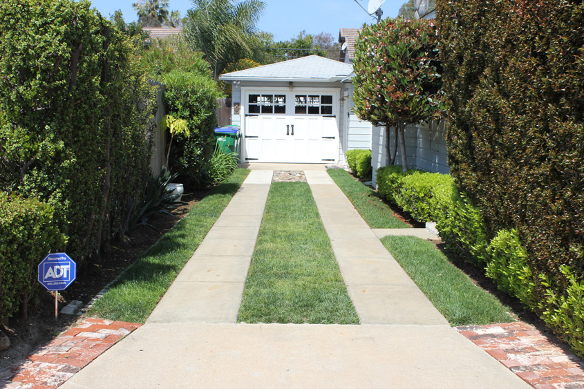 Driveways soil retention driveway paved with permeable pavers drivable grass solutioingenieria Choice Image