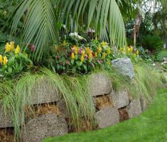 0724120541Del-Mar-Fair-KROQ_garden_bed_verdura_opt